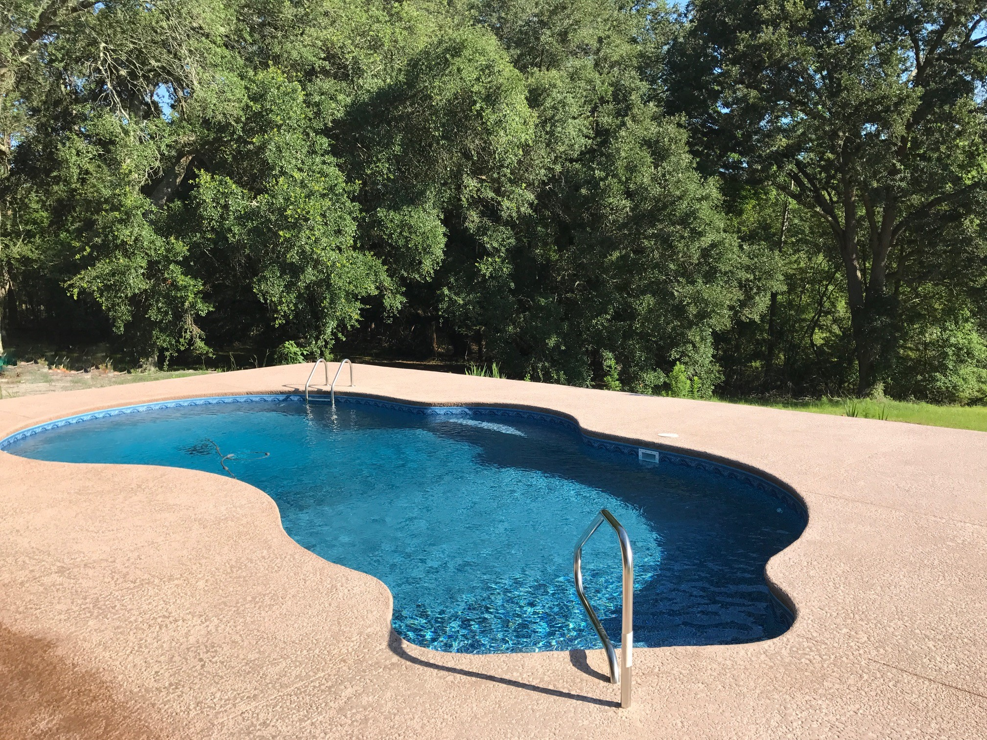 Curved Liner Pool 2
